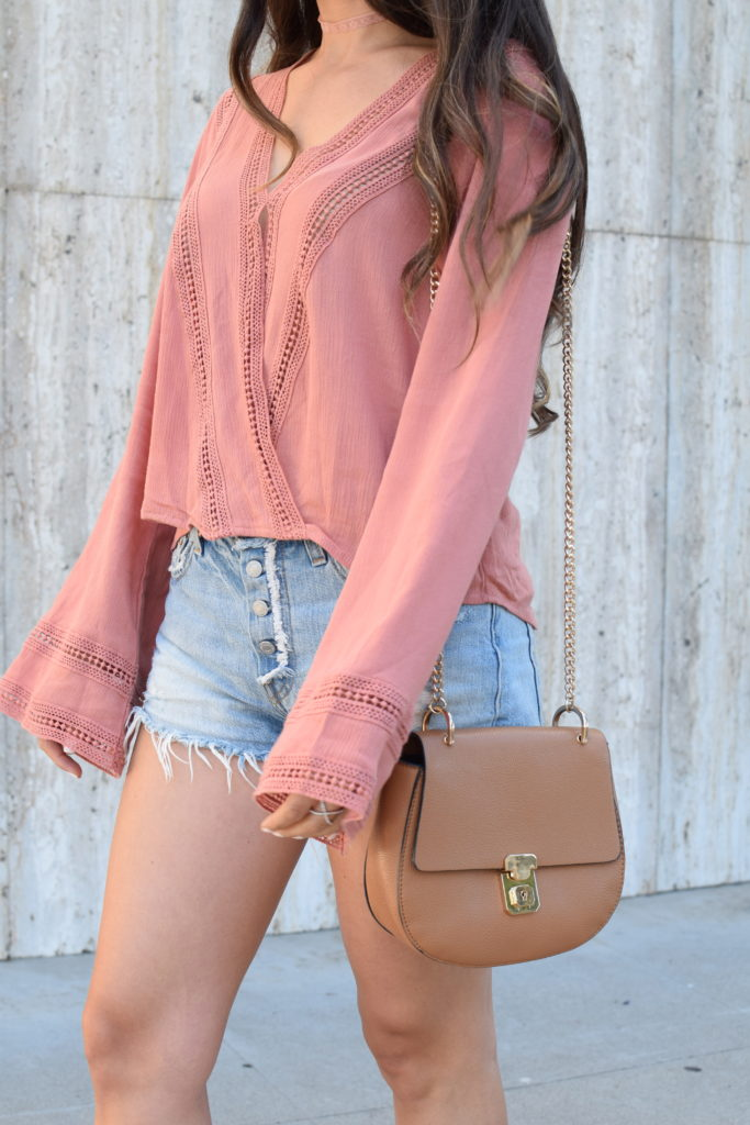 levis-501-shorts-bell-sleeve-top