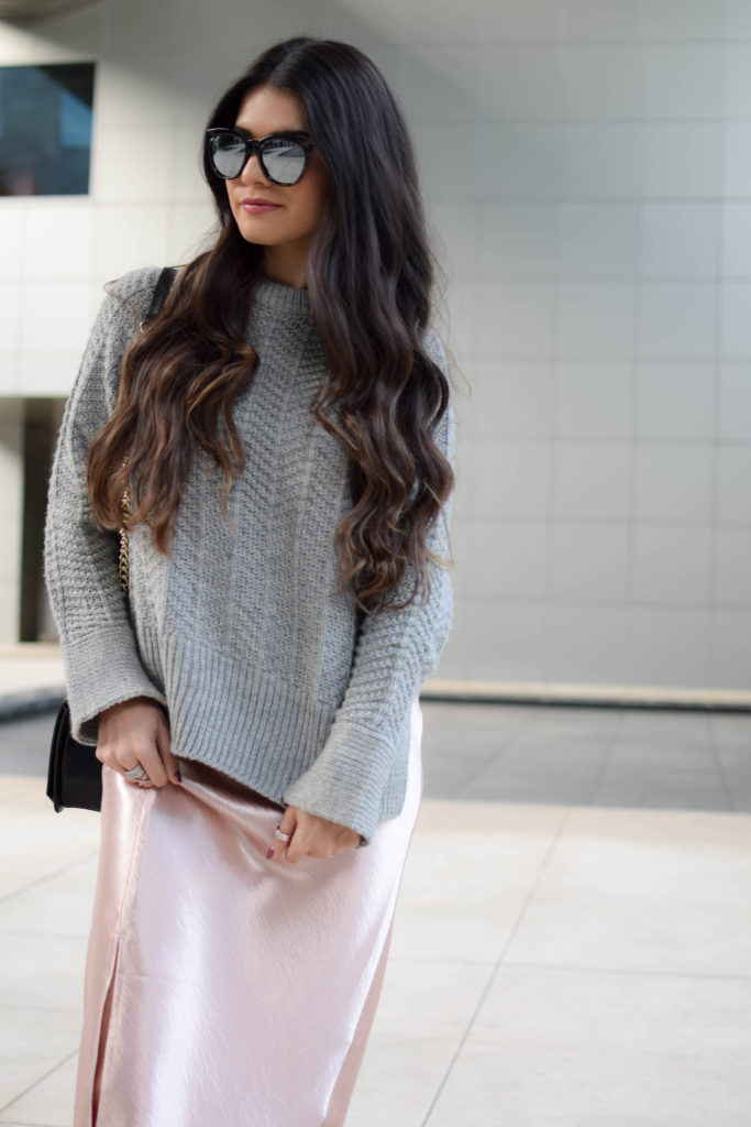 joa-pink-slip-h&m-grey-sweater-2050